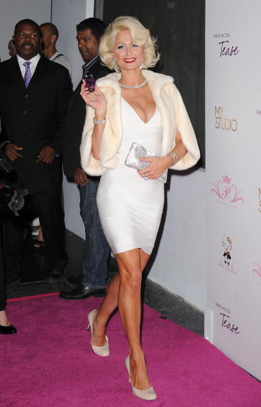 "Bandage Dress「Paris Hilton Launches Her New Fragrance ""Tease""」:写真・画像(3)[壁紙.com]"