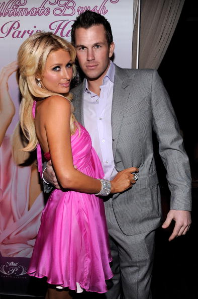 Pink Dress「Launch Party For Paris Hilton's Hair And Beauty Line」:写真・画像(12)[壁紙.com]