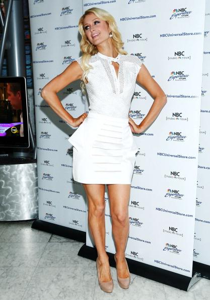 "Form Fitted「Paris Hilton Promotes ""The World According To Paris""」:写真・画像(15)[壁紙.com]"