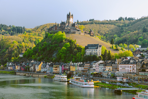 Rhineland-Palatinate「Cityscape of Cochem and the River Moselle, Germany」:スマホ壁紙(8)
