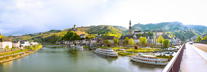Cruise - Vacation「Cityscape of Cochem and the River Moselle, Germany」:スマホ壁紙(8)