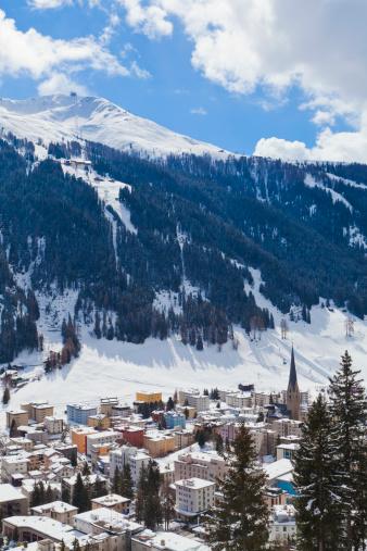 Ski Resort「Cityscape of Davos, Grisons, Switzerland」:スマホ壁紙(16)