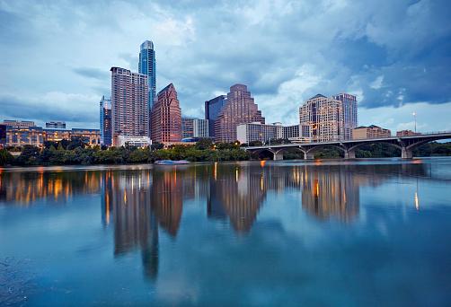 Overcast「Cityscape of Downtown Austin and Colerado river」:スマホ壁紙(10)