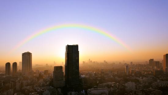 虹「Cityscape of Roppongi and rainbow, Minato Ward, Tokyo Prefecture, Honshu, Japan」:スマホ壁紙(18)