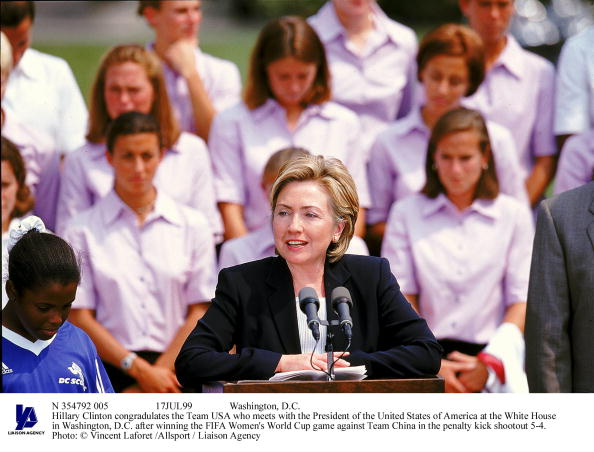 Women's Soccer「Hillary Clinton Congradulates The Team usaWho Meets With The」:写真・画像(16)[壁紙.com]