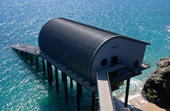 Sunny「Padstow Lifeboat Station, constructed by Bam Nuttall, Padstow, Devon, UK」:写真・画像(11)[壁紙.com]