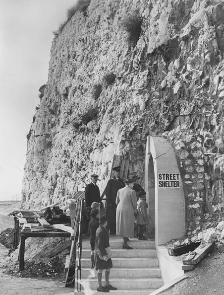 Harry Todd「Shelter In Cliff」:写真・画像(12)[壁紙.com]