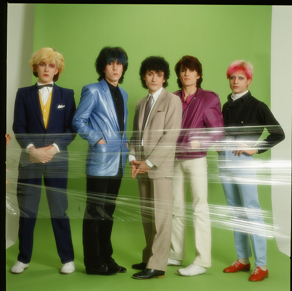 Green Background「English Band Japan on Second Japanese Tour」:写真・画像(5)[壁紙.com]