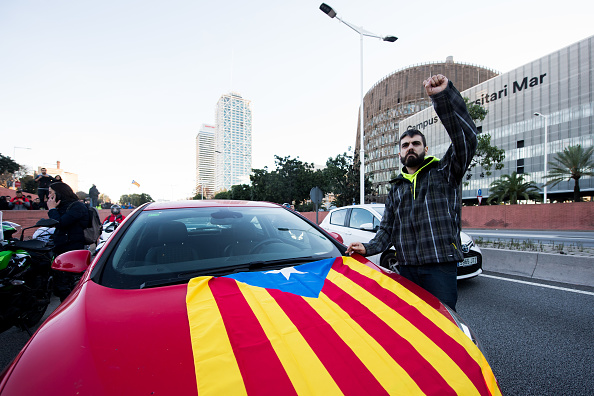 運転手「Protests Against Spain's Cabinet Meeting Take Place In Barcelona」:写真・画像(19)[壁紙.com]