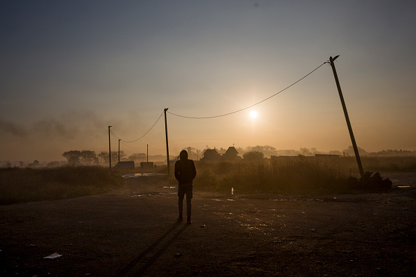 Calais「Migrants Leave The Jungle Refugee Camp In Calais」:写真・画像(6)[壁紙.com]