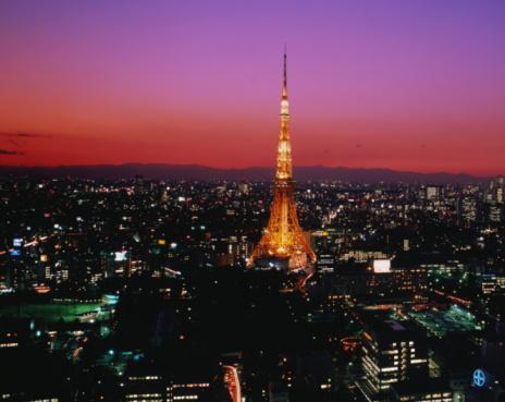 Tokyo Tower「Japan,Tokyo,Tokyo Tower and city skyline illuminated at night」:スマホ壁紙(7)