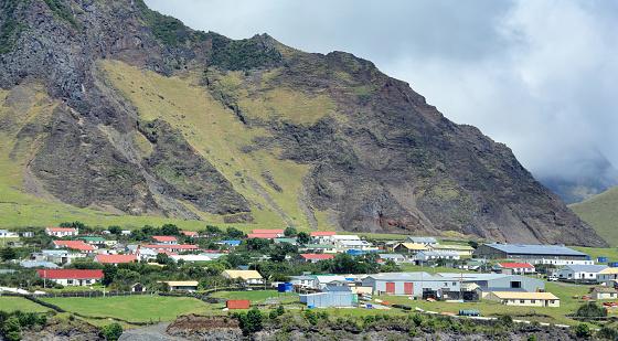 Volcanic Landscape「'Edinburgh of the Seven Seas' town  on Tristan da Cunha Island in the South Atlantic.」:スマホ壁紙(7)