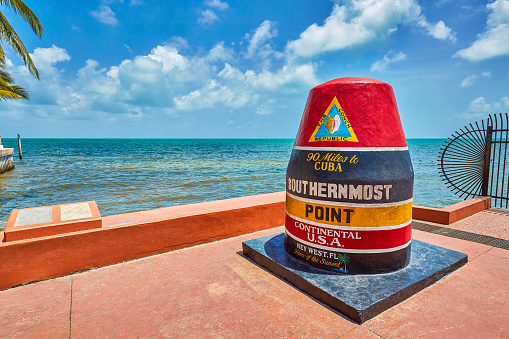 Bollard「Marker at the Southernmost point,Key West」:スマホ壁紙(19)