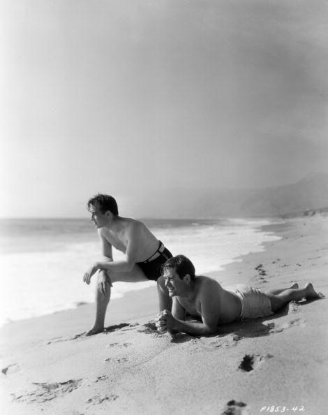 Men「Sea Gazing」:写真・画像(3)[壁紙.com]