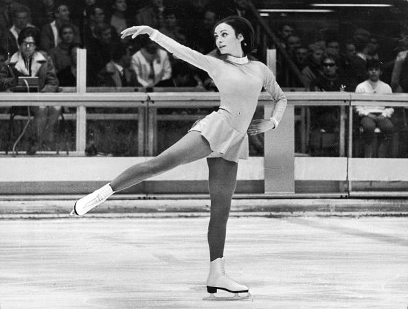 オリンピック「Peggy Fleming Skating At Olympics」:写真・画像(1)[壁紙.com]