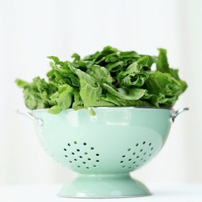 Spinach「a metal colander with green leaves」:スマホ壁紙(15)