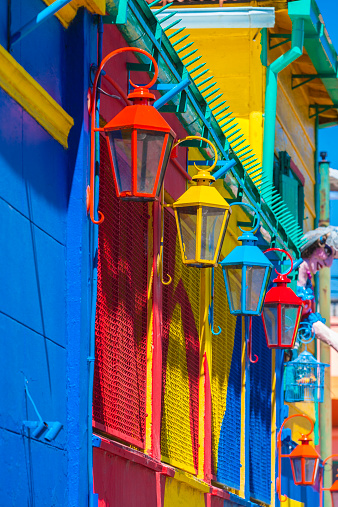 Buenos Aires「Colorful lamps and facades」:スマホ壁紙(2)