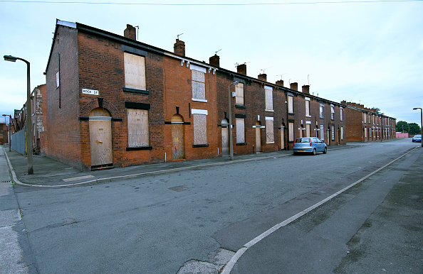 Empty「Derelict terraced Victorian houses waiting demolition, Salford, near Manchester, England, UK Salford's regeneration objective is to ensure that each neighborhood has its own distinct identity and niche, offering a good mix of housing types, a safe and at」:写真・画像(2)[壁紙.com]