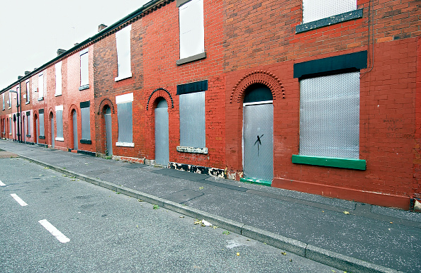 Empty「Derelict terraced Victorian houses waiting demolition, Salford, near Manchester, England, UK Salford's regeneration objective is to ensure that each neighborhood has its own distinct identity and niche, offering a good mix of housing types, a safe and at」:写真・画像(3)[壁紙.com]