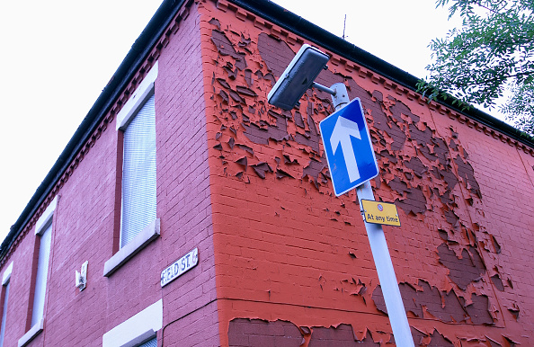 Blank「Derelict terraced Victorian houses waiting demolition, Salford, near Manchester, England, UK Salford's regeneration objective is to ensure that each neighborhood has its own distinct identity and niche, offering a good mix of housing types, a safe and at」:写真・画像(5)[壁紙.com]