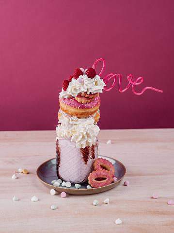 Milkshake「Freakshake Milkshake with donuts cream and cookies」:スマホ壁紙(14)