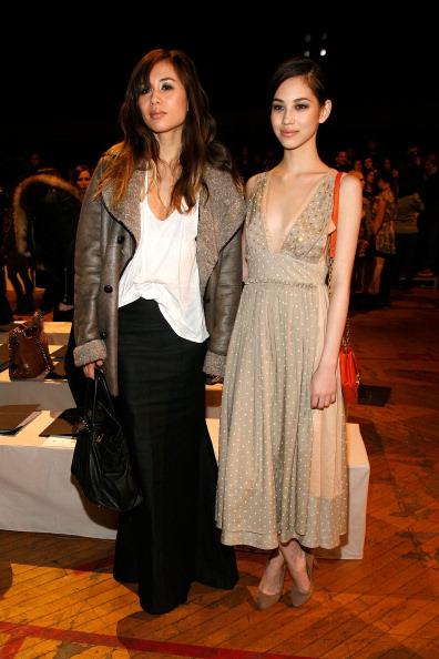 Kiko Mizuhara「Marc By Marc Jacobs - Front Row & Backstage - Fall 2011 Mercedes-Benz Fashion Week」:写真・画像(3)[壁紙.com]