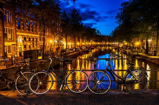Rudder「Amsterdam at night, the Netherlands.」:スマホ壁紙(19)