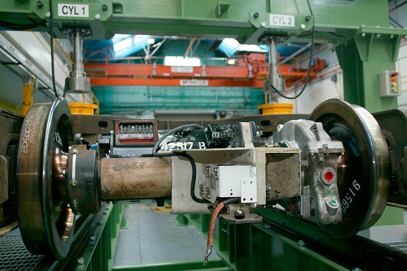 Bombardier「Restoration work on LUL bogies by Bombardier at REW Acton」:写真・画像(13)[壁紙.com]