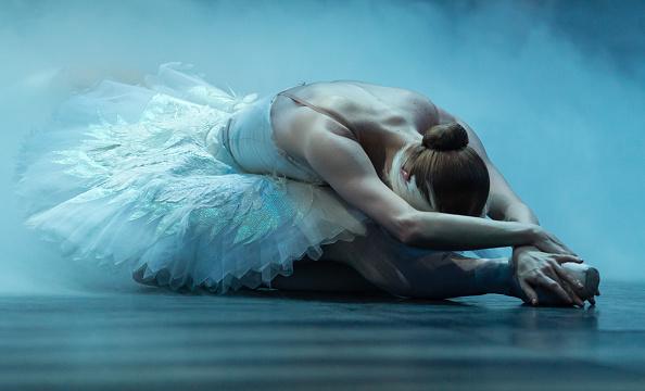 "London Coliseum「The English National Ballet's ""Swan Lake"" - Dress Rehearsal」:写真・画像(11)[壁紙.com]"