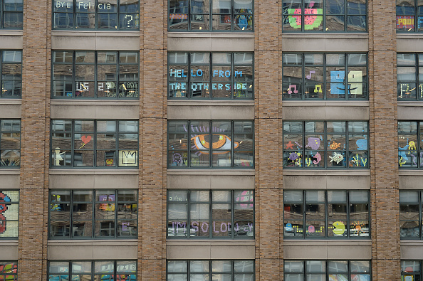 Adhesive Note「Lower Manhattan Offices Post-it Notes War」:写真・画像(16)[壁紙.com]