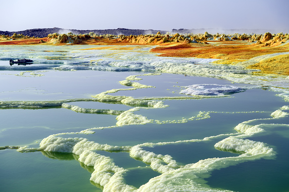 Standing Water「Salt Mines And The Searing Heat Of The Danakil Depression」:写真・画像(10)[壁紙.com]