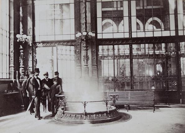 Health Spa「Carlsbad (Bohemia): Bubble. About 1880. Photograph By E. Anton'S Son / Carlsbad. Photograph.」:写真・画像(14)[壁紙.com]
