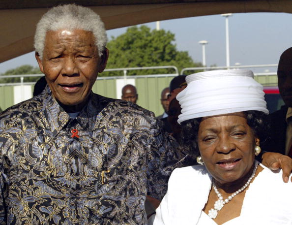 Prejudice「South Africa, Johannesburg. Adelaide Tambo with Nelson Mandela at the renaming of Johannesburg International Airport to OR Tambo International Airport.」:写真・画像(9)[壁紙.com]