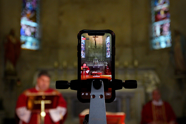 Religious Service「Churches Adapt Easter Services To Connect With Parishioners During Coronavirus Lockdown」:写真・画像(3)[壁紙.com]