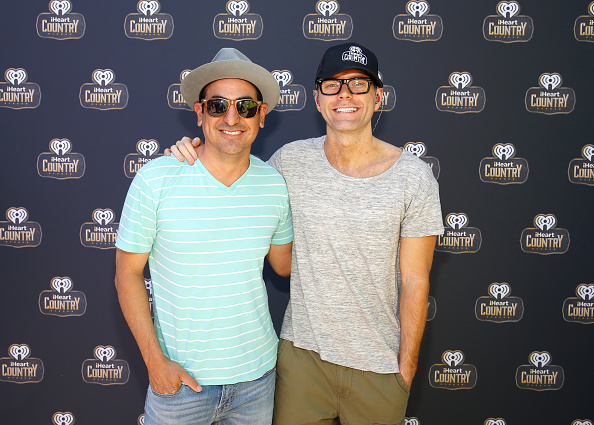 Bobby Bones and the Raging Idiots「Live at the 2016 Daytime Village At The iHeartCountry Festival  - Backstage」:写真・画像(18)[壁紙.com]