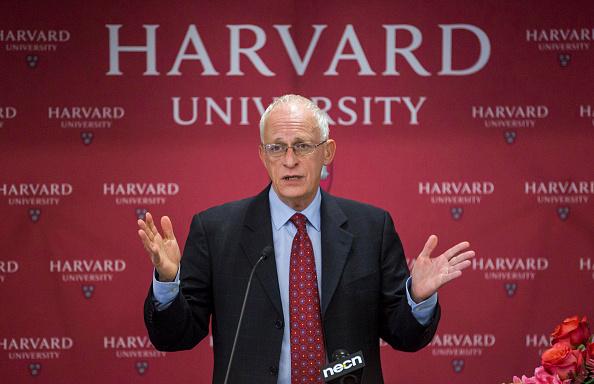 Scott Eisen「MIT Professor Bengt Holmstrom And Harvard Professor Oliver Hart Share Nobel Prize In Economics」:写真・画像(17)[壁紙.com]