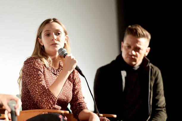"""Elizabeth Olsen「""""Wind River"""" Q&A with Director/Writer Taylor Sheridan, Jeremy Renner, Elizabeth Olsen, Tokala Clifford, Martin Sensmeier, and Cinematographer Ben Richardson moderated by John Horn」:写真・画像(19)[壁紙.com]"""