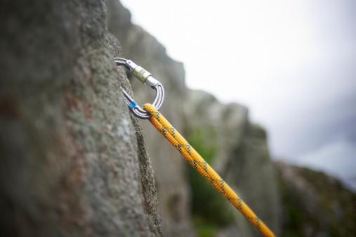 Safety「Carabiner Secured In Rock Surface」:スマホ壁紙(7)