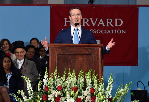 Beginnings「Facebook Founder Mark Zuckerberg Delivers Commencement Address At Harvard」:写真・画像(9)[壁紙.com]