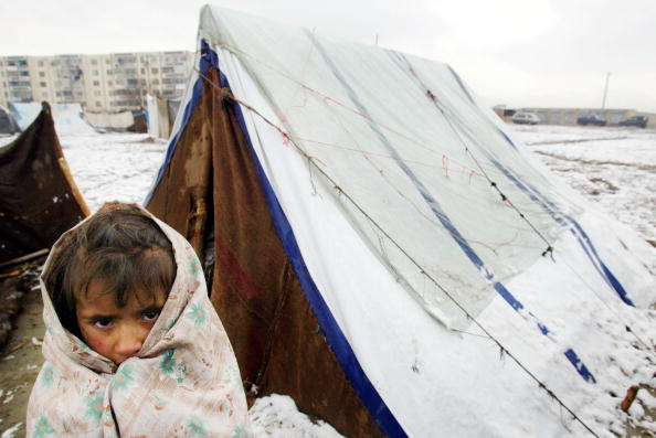 Kabul「Afghans Try To Keep Warm During First Snownfall Of The Season」:写真・画像(0)[壁紙.com]