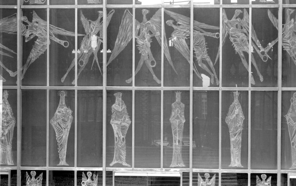 Basil「The West Window, Coventry Cathedral, Coventry, West Midlands, 1962-1980. Artist: Eric de Maré」:写真・画像(7)[壁紙.com]