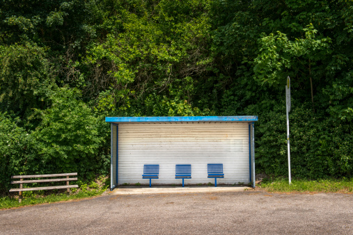 Contrasts「Bus stop in the country side」:スマホ壁紙(12)