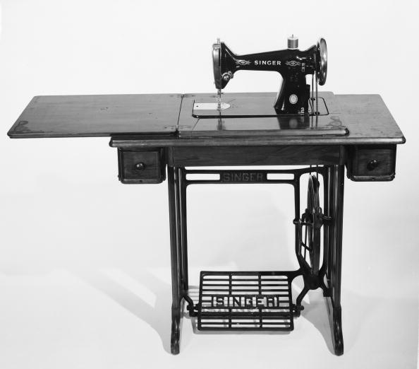 Singer「Sewing Machine」:写真・画像(11)[壁紙.com]
