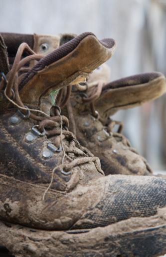Effort「Work-boots at an organic farm」:スマホ壁紙(5)
