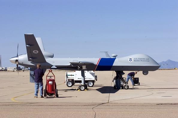 Drone Pilot「Customs And Border Protection Unveil Predator Surveillance Aircraft」:写真・画像(4)[壁紙.com]