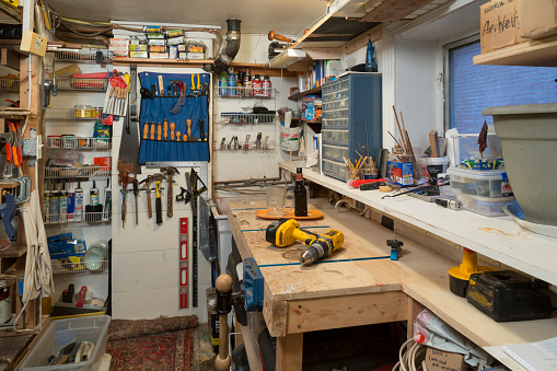 Pennsylvania「Home workshop with tools in a small space」:スマホ壁紙(16)