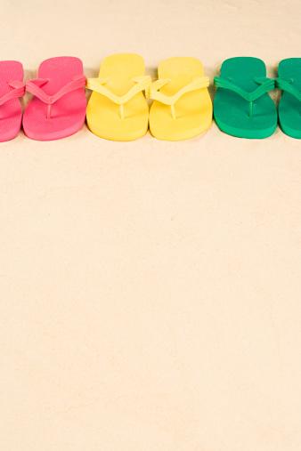 Flip-Flop「Flip flops in a row」:スマホ壁紙(16)