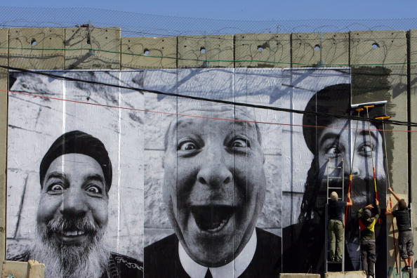 West Bank「French Art Project Displays Images On The West Bank Wall」:写真・画像(1)[壁紙.com]