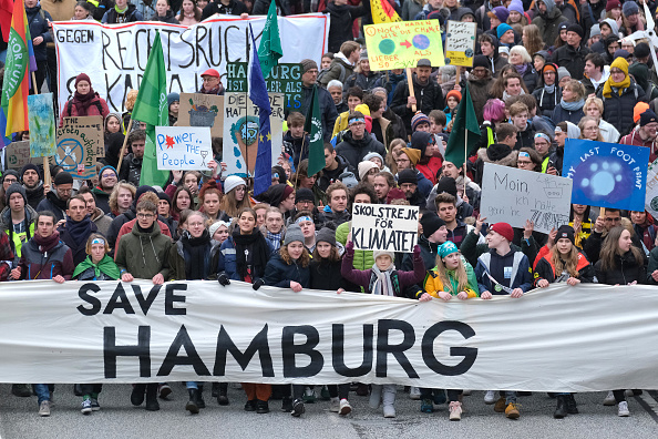 Hamburg - Germany「Greta Thunberg Attends Climate Protest In Hamburg」:写真・画像(10)[壁紙.com]