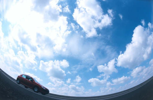 Fish-Eye Lens「Moving car with a cloudy sky in the background」:スマホ壁紙(3)